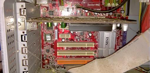 Dreckschleuder 4 Desktop mit Spinne